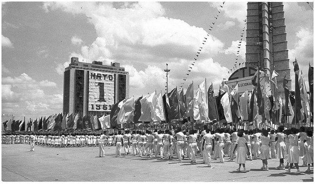 Πλατεία της Επανάστασης, Αβάνα, Κούβα. Παρέλαση την Πρωτομαγιά του 1961
