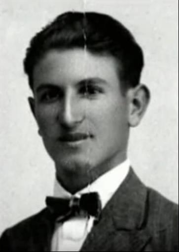 Δημήτρης Βαλασιάδης Ο Μεν. Λουντέμης σε νεαρή ηλικία
