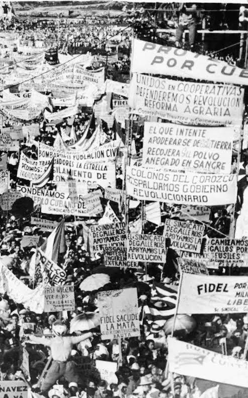 Μαζική διαδήλωση εργατών και αγροτών, Οκτώβρης 1959. Με τέτοιες κινητοποιήσεις προχωρούσαν οι εθνικοποιήσεις