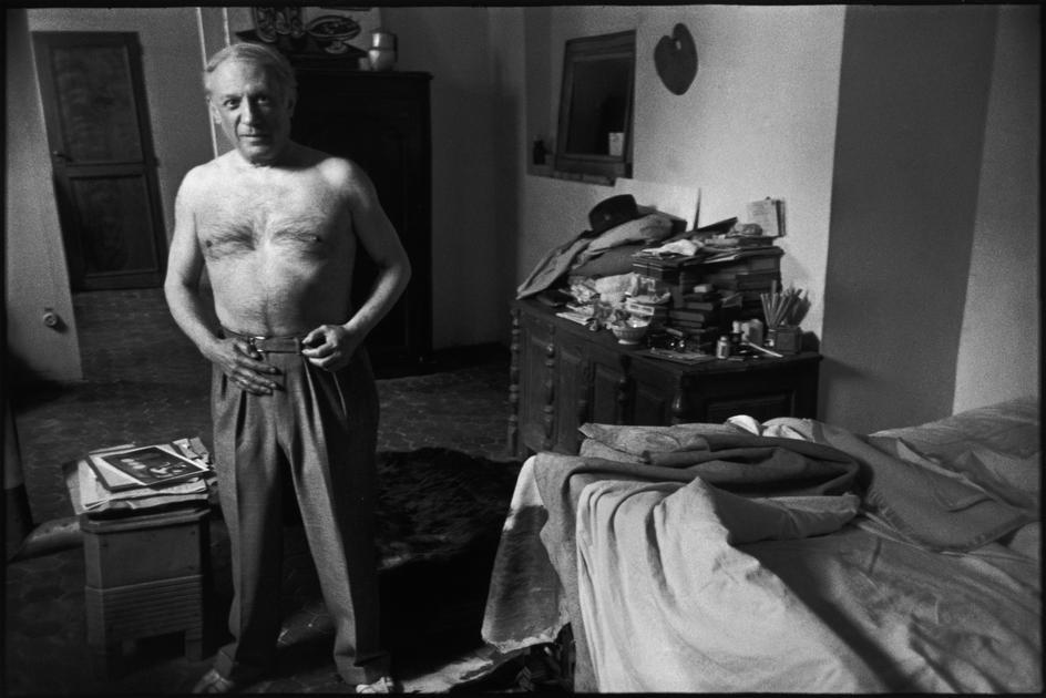 Γαλλία, Παρίσι, 1944. Ο Πάμπλο Πικάσο στο σπίτι του (6th arrondissement, Rue des Grands Augustins). Φωτογραφία: Henri Cartier-Bresson Πηγή: LIVEJOURNAL