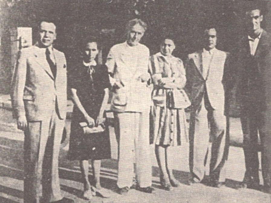 Ομάδα λογοτεχνών του ΕΑΜ το 1943