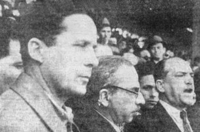 Ζαχαριάδης, Μήτσος Παπαρήγας και Στρατής σε συγκέντρωση Πηγή φωτογραφίας: Ριζοσπάστης