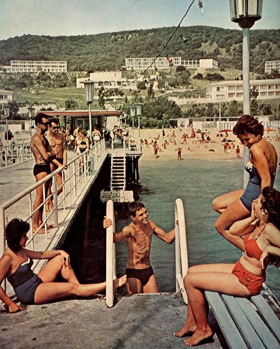 Χώρος αναψυχής στη Λ.Δ. Βουλγαρίας Πηγή φωτογραφίας: http://piximus.net/