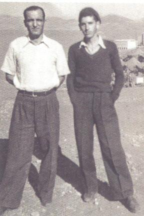 «Μακρόνησος 1949: Με τον Βαγγέλη Παντελάκο, τον καπετάνιο της Υποδειγματικής Διμοιρίας μας, τον άνθρωπο που με κουβάλησε μέσα από τους πολυβολισμούς και μου έσωσε τη ζωή!»