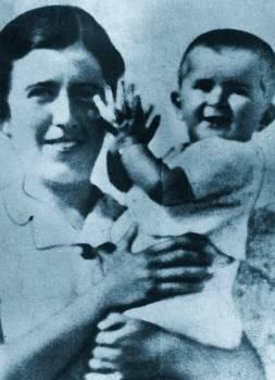 Η Ηλέκτρα με την κόρη της Αγνή