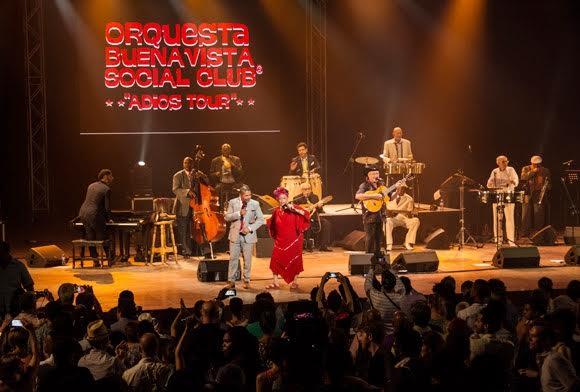 Omara Portuondo , la Diva de Buena Vista Social Club, en la culminación de su Adios Tour, en el teatro Karl Marx, en La Habana, el 14 de mayo de 2016.ACN FOTO/Marcelino VAZQUEZ HERNANDEZ/