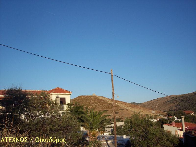 """Ο λόφος του Αη Μηνά όπως φαίνεται από τον """"κεντρικό θάναμο"""" (Μουσείο Δημοκρατίας)"""
