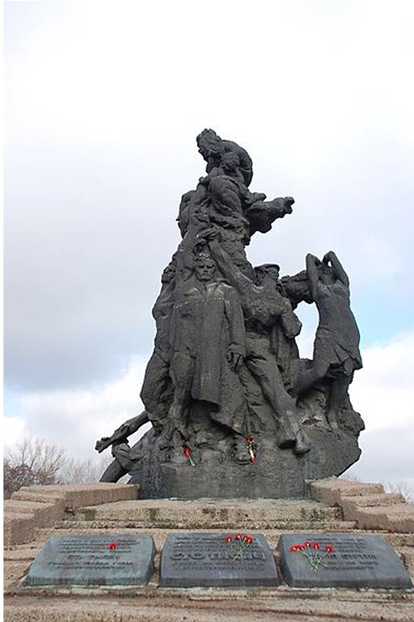 Το μνημείο της σφαγής του Μπάμπι Γιαρ