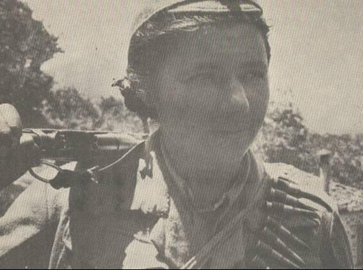 1944. Η Θύελλα (Μένη Παπαηλιού) φωτογραφημένη από τον Κώστα Κουβαρά