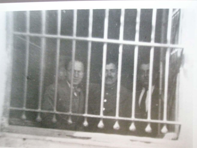 Ο Πέτρος Πικρός στη φυλακή