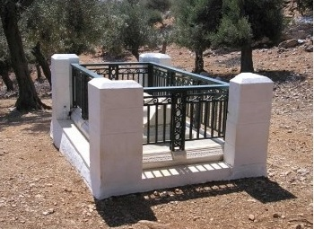 Ο τάφος του ποιητή στη Σκύρο