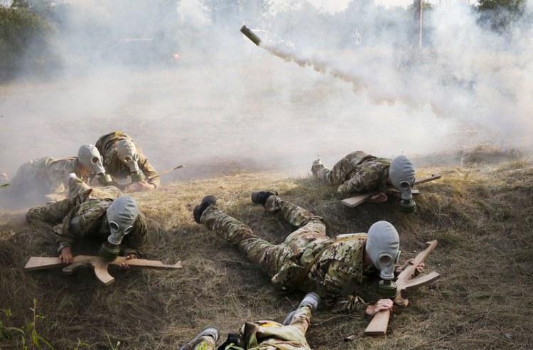 Σε προσομοίωση πολεμικού μετώπου © AP – Efrem Lukatsky