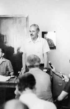26/8/1974 - Ο Α' Γραμματέας της ΚΕ του ΚΚΕ Χαρ. Φλωράκης δίνει την πρώτη του συνέντευξη στην Ελλάδα.