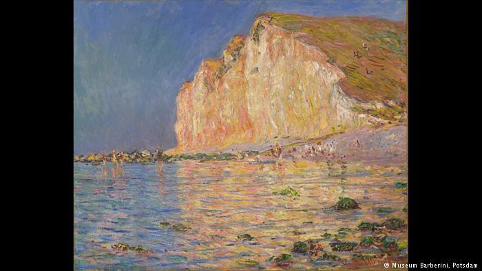 Ιδιαίτερη ατμόσφαιρα Ο Κλοντ Μονέ ζωγράφισε αρκετές φορές και τους βράχους στις ακτές της Νορμανδίας. Αυτός ο πίνακας του 1884 δείχνει την άμπωτη και έναν βράχο που γέρνει. Οι αντικατοπτρισμοί στο νερό είναι ένα από τα αγαπημένα θέματα των ιμπρεσιονιστών.