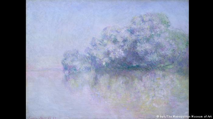 Το Ζιβερνί λουσμένο στο μωβ Το τοπίο είναι θολό, η γραμμή του ορίζοντα δυσδιάκριτη, ο ουρανός χάνεται στο νερό. Είναι ένας από τους πάμπολους πίνακες που ζωγράφισε ο Μονέ στο σπίτι του στο Ζιβερνί, έξω από το Παρίσι. Ο ίδιος έκανε ατελείωτες βόλτες με τη βάρκα του στον Σηκουάνα ενώ ζωγράφιζε ταυτόχρονα πολλούς πίνακες, κάνοντας «εικαστική μελέτη» των εποχών και των χρωμάτων τους με φόντο πάντα το ίδιο τοπίο.