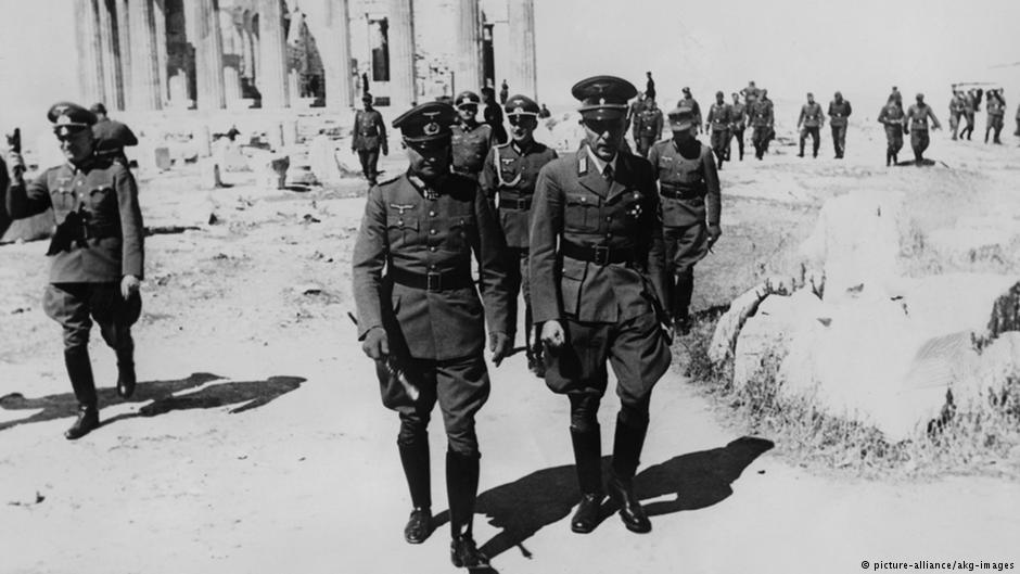 Περιήγηση του στρατάρχη Βάλτερ φον Μπράουχιτς (αρ.) στην Ακρόπολη (Απρίλιος 1941)