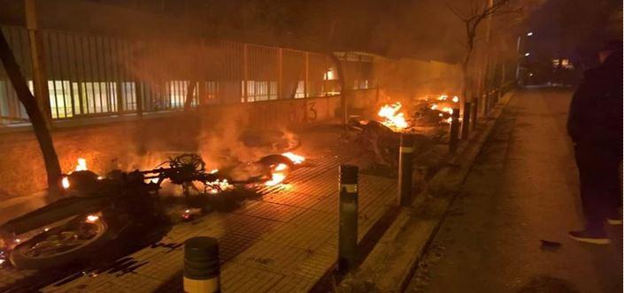 Όπου βία και Χρυσαυγίτες: Ο οδηγός του Μιχαλολιάκου ανάμεσα στους συλληφθέντες για τα επεισόδια στο Μετς