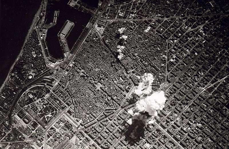 Βομβαρδισμός της Βαρκελώνης από Ιταλικά αεροπλάνα 1938.