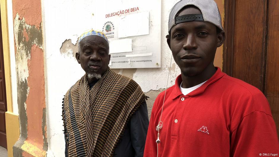Μια οποιαδήποτε δουλειά ψάχνει ο Φοντάι Φάτι που έκανε το μεγάλο ταξίδι από τη Γκάμπια μέχρι την Πορτογαλία, μέσω Λιβύης και Ιταλίας