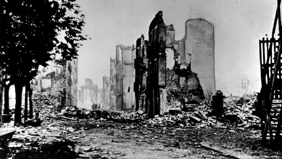 H κατεστραμμένη από τον βομβαρδισμό βασική πόλη Γκερνίκα