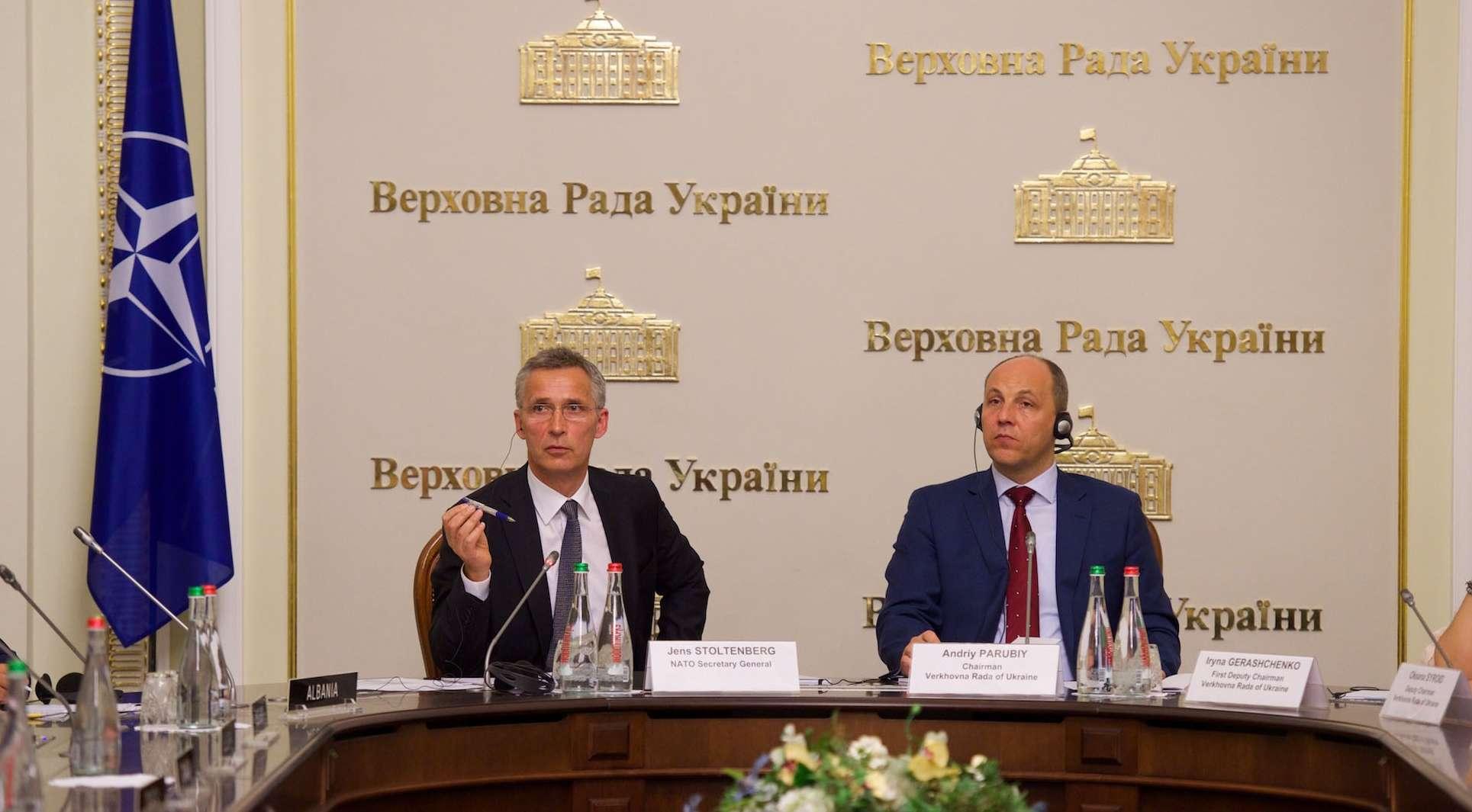 Με τον Γ.Γ. του ΝΑΤΟ Γ.Στόλντενμπερ στο Κίεβο...