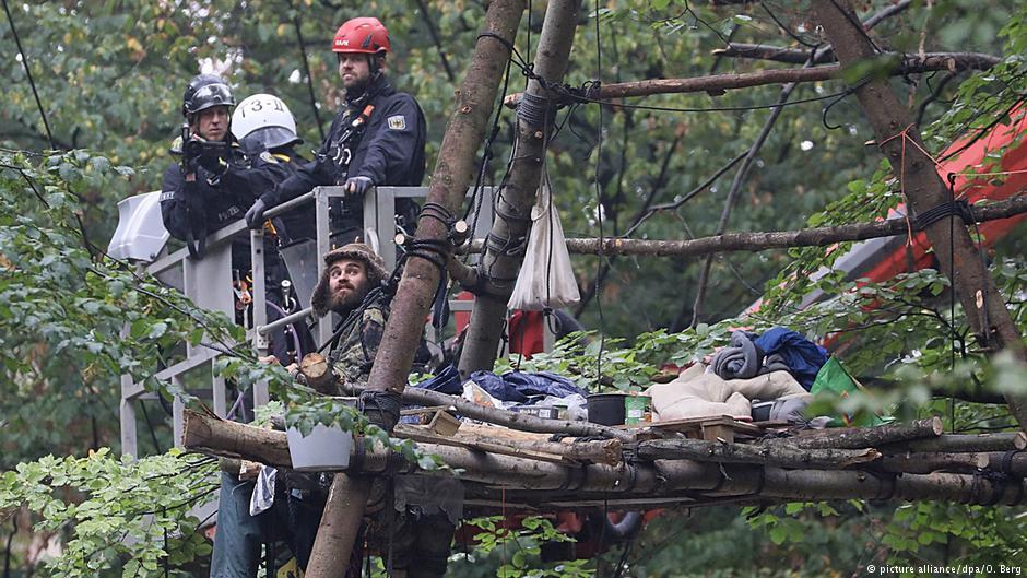 Από την επιχείρηση της αστυνομίας την Πέμπτη στο δάσος του Χάμπαχ