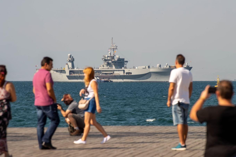 Αμερικανικό πολεμικό πλοίο στο λιμάνι της Θεσσαλονίκης