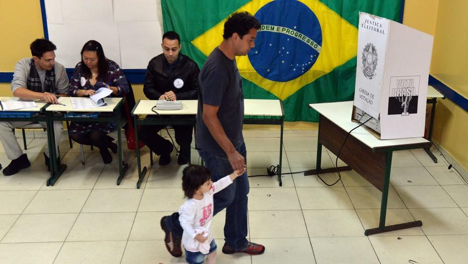Περίπου 147 εκατομμύρια κάτοικοι της Βραζιλίας αναμένεται να προσέλθουν στις κάλπες για τις προεδρικές εκλογές.