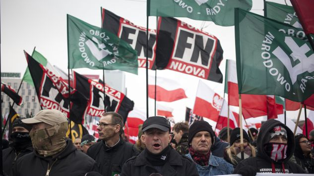 Σημαίες της νεοφασιστικής Forza Nuova στην πορεία που έγινε στη Βαρσοβία.