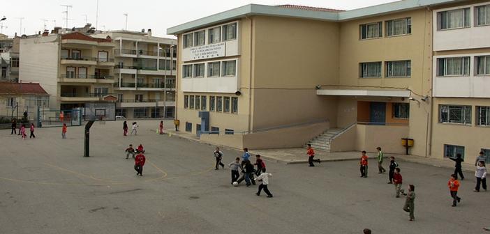 Θεσσαλονίκη: Διέγραψαν μητέρα-εκλεγμένο μέλος Συλλόγου Γονέων ως «άθεη εθνομηδενίστρια»!