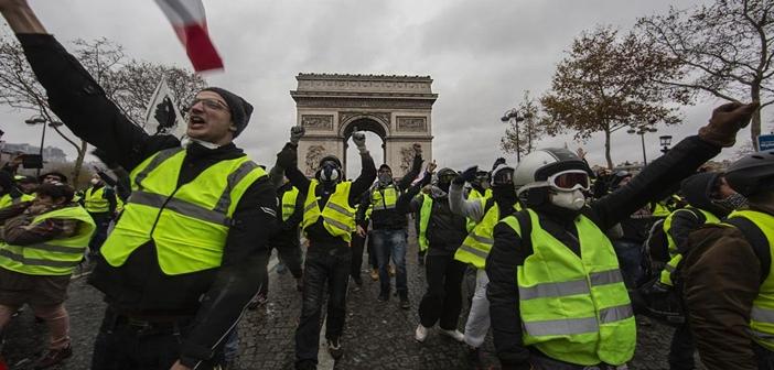 Κίτρινα γιλέκα χωρίς κόκκινη σημαία: Εξανθρωπίζεται ο καπιταλισμός;