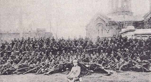 Έλληνες στρατιώτες στην Οδησσό, 1919. Στάλθηκαν από την κυβέρνηση Βενιζέλου να πολεμήσουν για τα συμφέροντα της αστικής τάξης και των ιμπεριαλιστών.