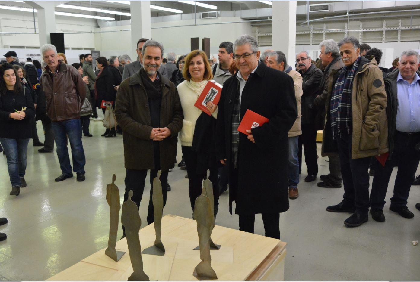 Ο Μάρκος Γεωργιλάκης στο έργο του την Ντίνα Κώτσιου και τον Δημήτρη Κουτσούμπα