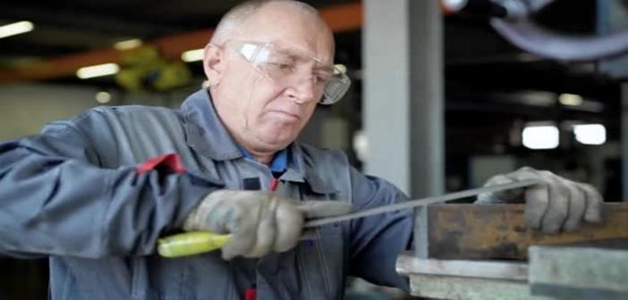 Τι... «καλός» που είναι ο καπιταλισμός! Το 64% των Ρουμάνων και των Τσέχων εκτιμούν ότι θα εργάζονται και μετά τη συνταξιοδότηση