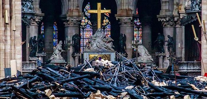 Παναγία των Παρισίων: Πληρωμένη απάντηση του ΚΚ Εργαζομένων της Ισπανίας στην «Ελ Παΐς»