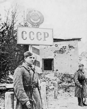 Τα σύνορα της ΕΣΣΔ αποκαταστάθηκαν Ο δρόμος για το Βερολίνο άνοιξε