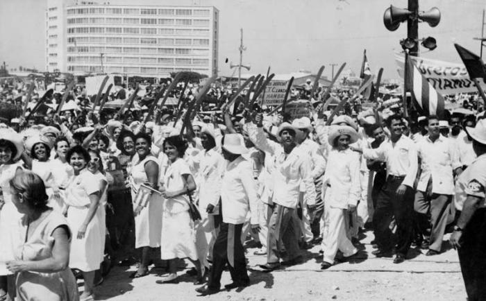 Primero de Mayo Patria o Muerte en el año 1960 Nilicianos y mujeres