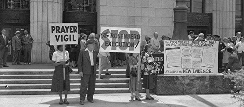 Ρόζενμπεργκ είναι κομμουνιστές σκοτώστε τους» 02