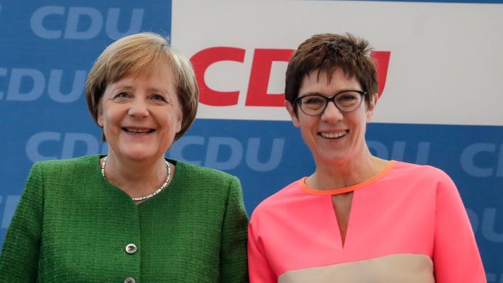 Η Άνεγκρετ Κραμπ – Καρενμπάουερ νέα υπουργός Άμυνας στη θέση της φον ντερ Λάιεν