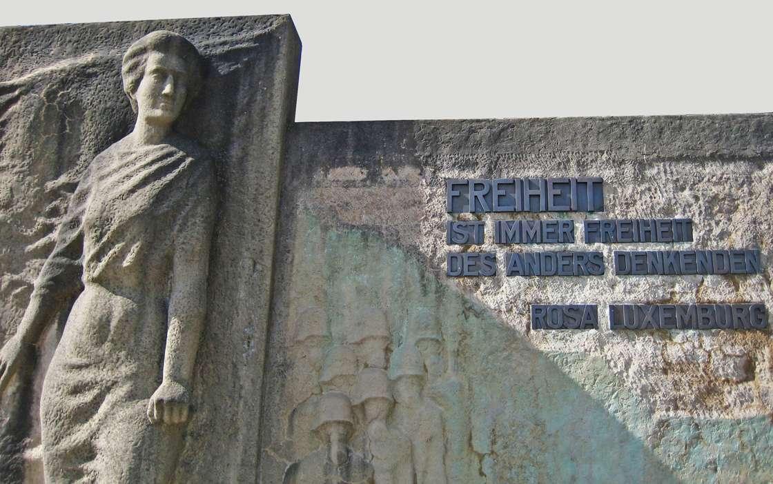 R. Luxemburg Denkmal Zwickau Freiheit ist immer Freiheit des anders Denkenden crop