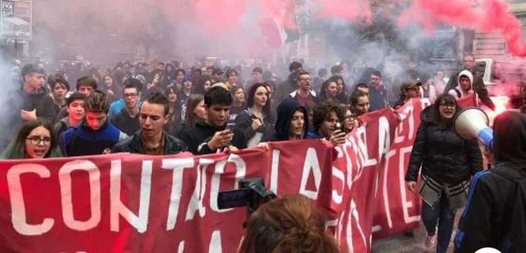 Συντριπτική νίκη των κομμουνιστών Ιταλών φοιτητών στο Τορίνο