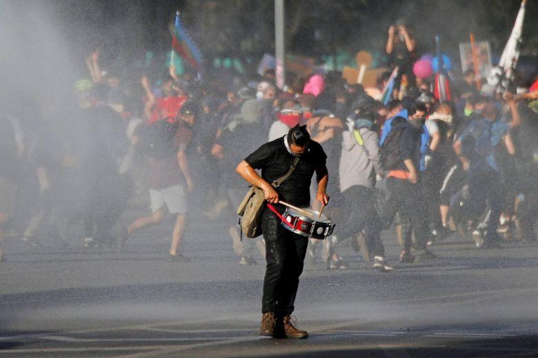 Ο λαός της Χιλής στους δρόμους