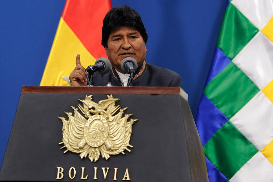 """Ο Έβο Μοράλες καταγγέλλει απόπειρα πραξικοπήματος στη Βολιβία: """"Ψάχνουν για νεκρούς"""""""