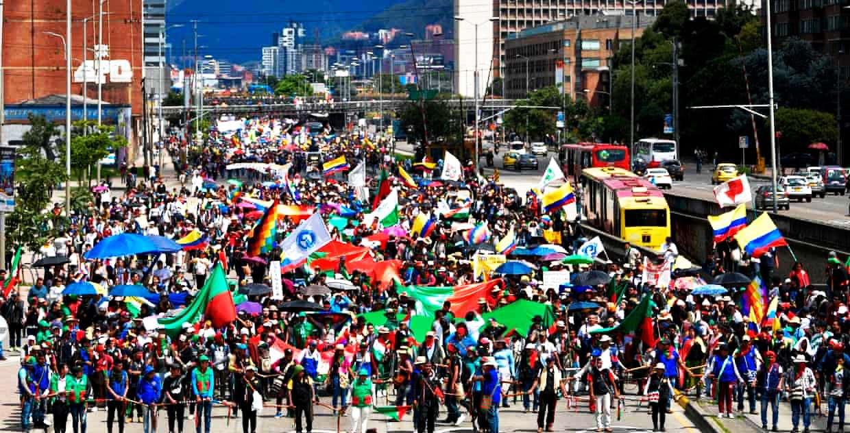 Συνεχίζονται οι λαϊκές διαδηλώσεις