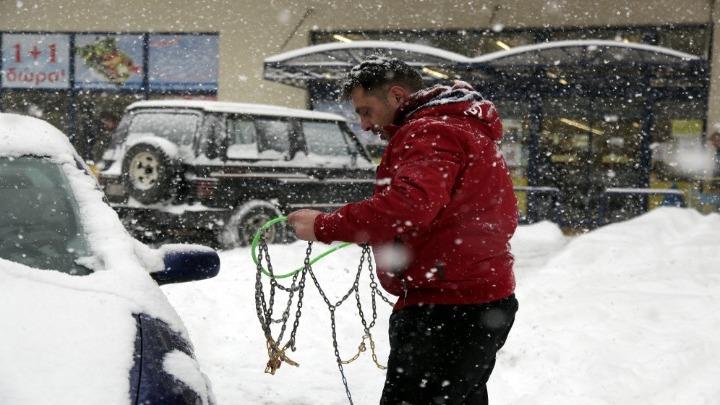 Τι πρέπει να ξέρουμε όταν οδηγούμε σε συνθήκες χιονιού ή πολύ χαμηλών θερμοκρασιών