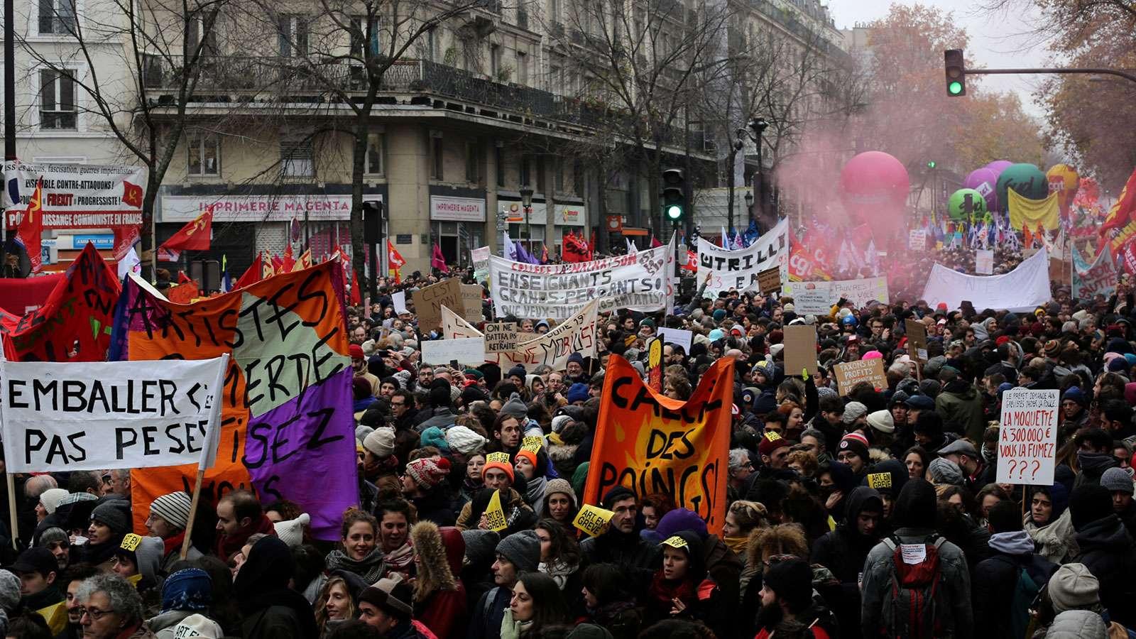 ΓΑΛΛΙΑ: Μεγάλη συμμετοχή στην απεργία και στις κινητοποιήσεις ενάντια στις νέες ανατροπές στην Ασφάλιση