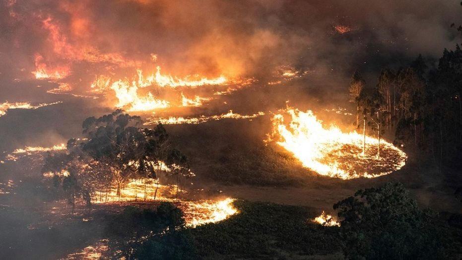 AUSTRALIA on fire1