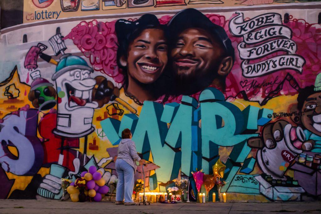 Καλλιτέχνες δρόμου απαθανατίζουν τον Κόμπι Μπράιαντ (ΦΩΤΟ)