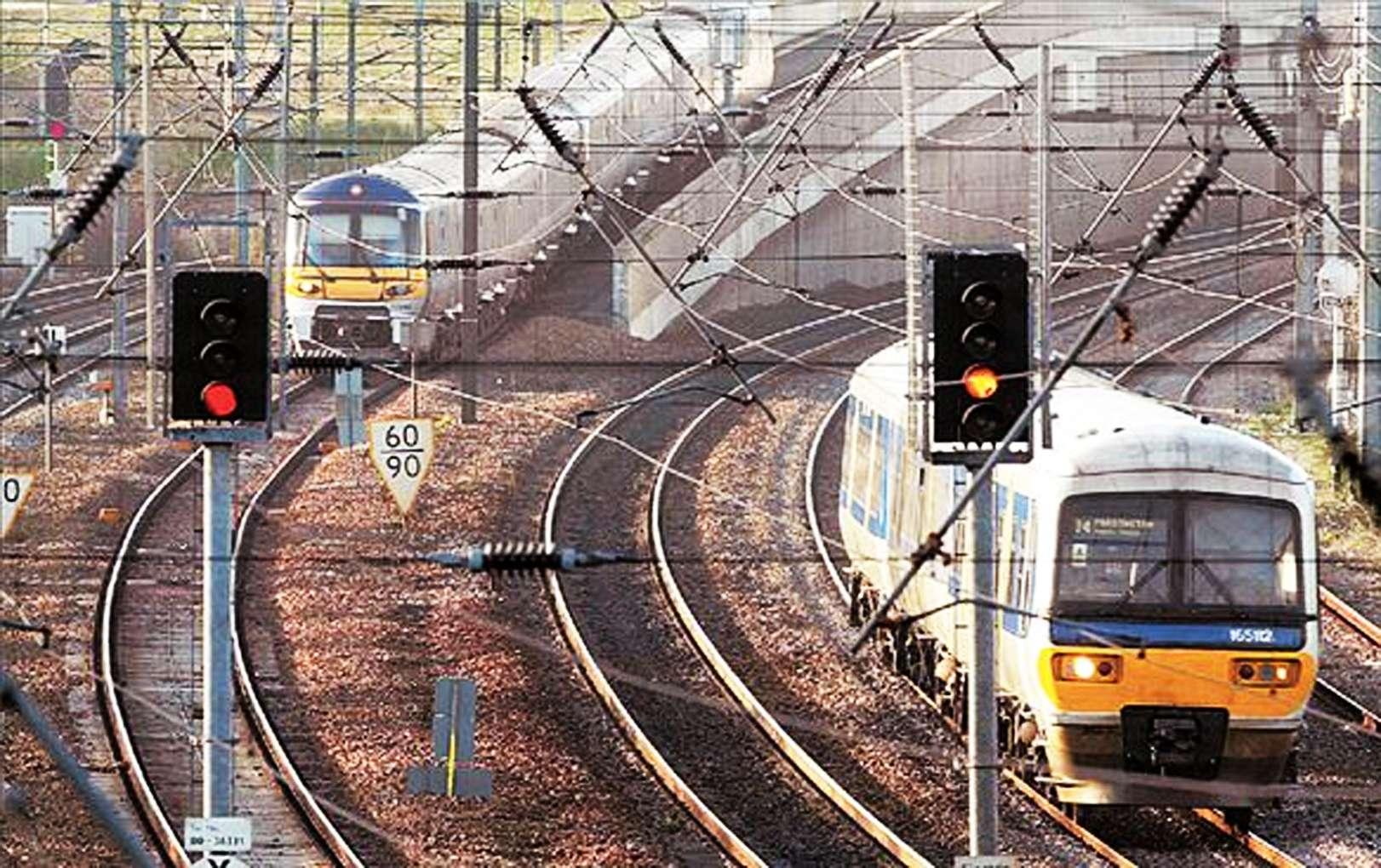 Αγγλία Κρατικοποιούνται σιδηρόδρομοι ο λαός πληρώνει το μάρμαρο