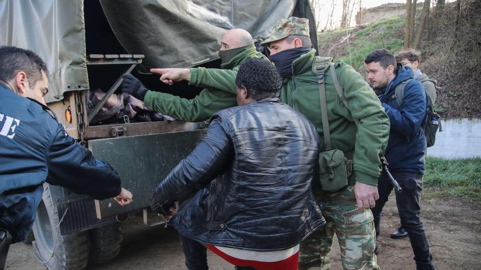 Συλλήψεις μεταναστών στον Έβρο από τον Ελληνικό Στρατό